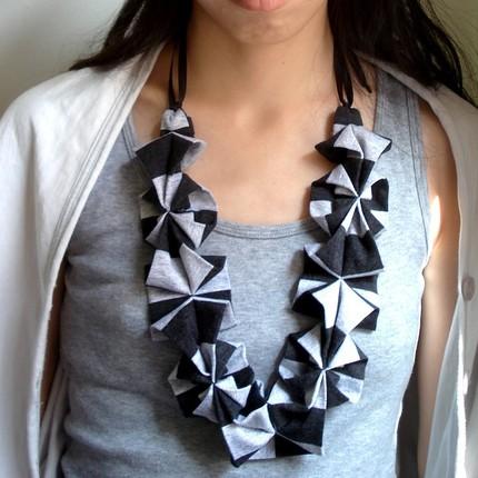 Origami Hana necklace-Stripe