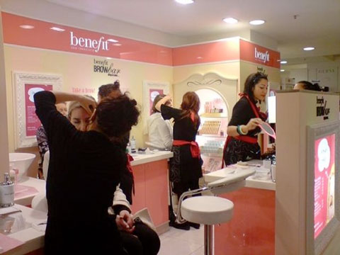 Trendreport aus Melbourne: Die benefit Brow Bar