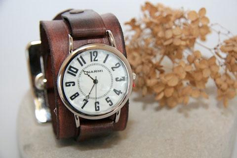 Lederarmband-Uhr