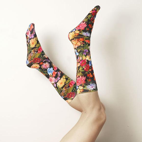 Kniestruempfe-flowers-cartel