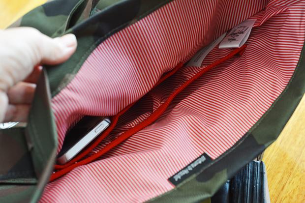 Innen-gestreift-Herschel-Tasche