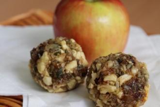 Apfel Zimt Protein Balls